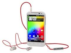 440x330-htc-sensation-xl-headphones