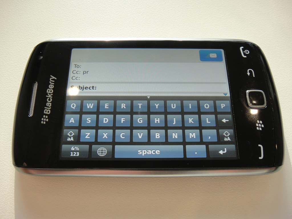 how to download apps on blackberry curve 9380