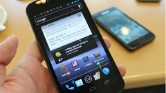 xl_Samsung_GalaxyNex_hands8_62-1
